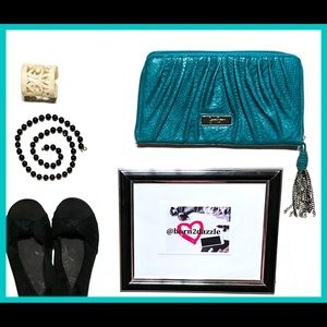👛 NWOT Jessica Simpson Wallet Clutch with Tassel